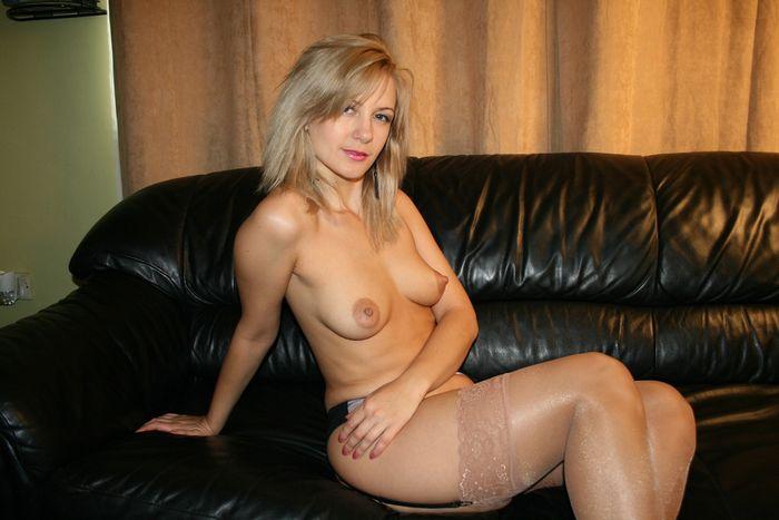 Девушки хвастаются смачными попками - секс порно фото