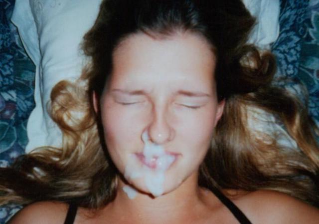 Сперма на лицах молодых девиц крупным планом - секс порно фото