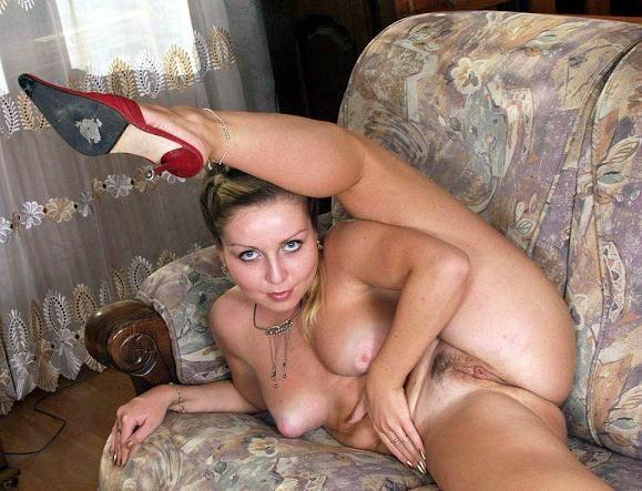 Мужики фотографируют голых любовниц в чулках - секс порно фото