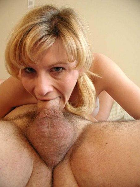 Цыпочки обнажают свои формы и трахаются перед вебкамерой - секс порно фото