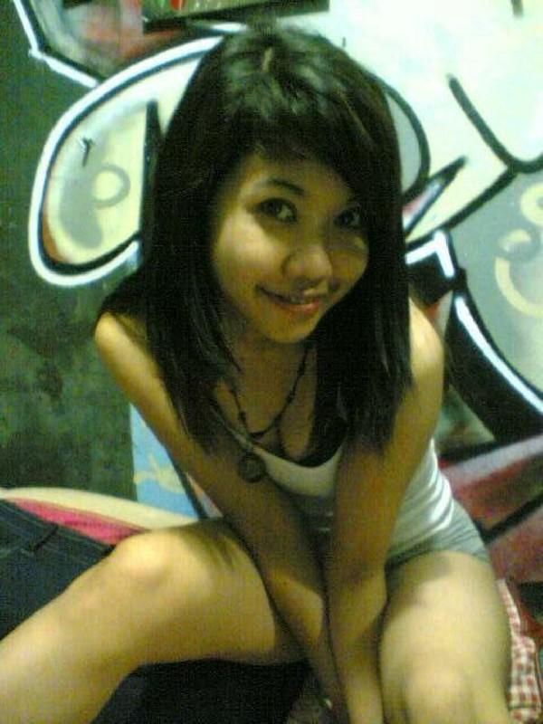 Откровенные селфи молодых азиаток - секс порно фото