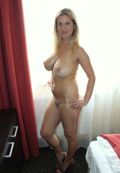 Анальный секс без презерватива крупным планом грудастых мамочек - секс порно фото