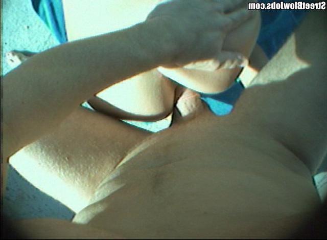 Молодой человек уломал незнакомку потрахаться в подъезде - секс порно фото